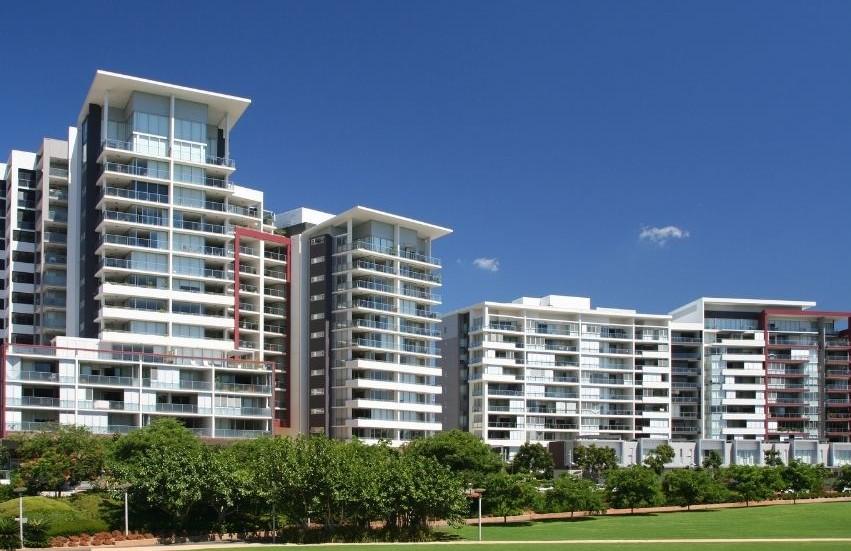 Australian Properties - apartments and houses along shoreline of Sydney Harbour